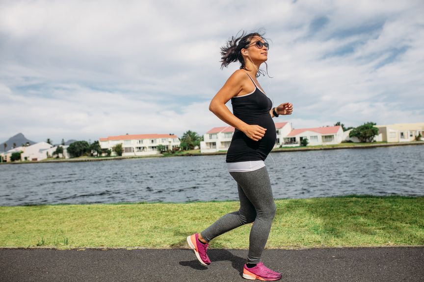 Schwangere beim Jogging