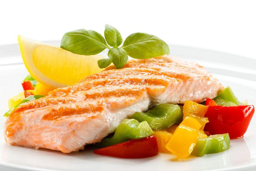 Lachstranche mit Gemüse