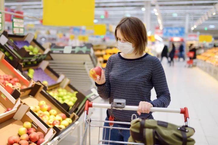 Einkauf mit Maske