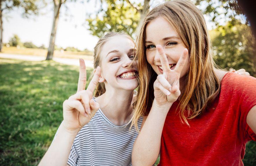 Zwei Teenager-Mädchen