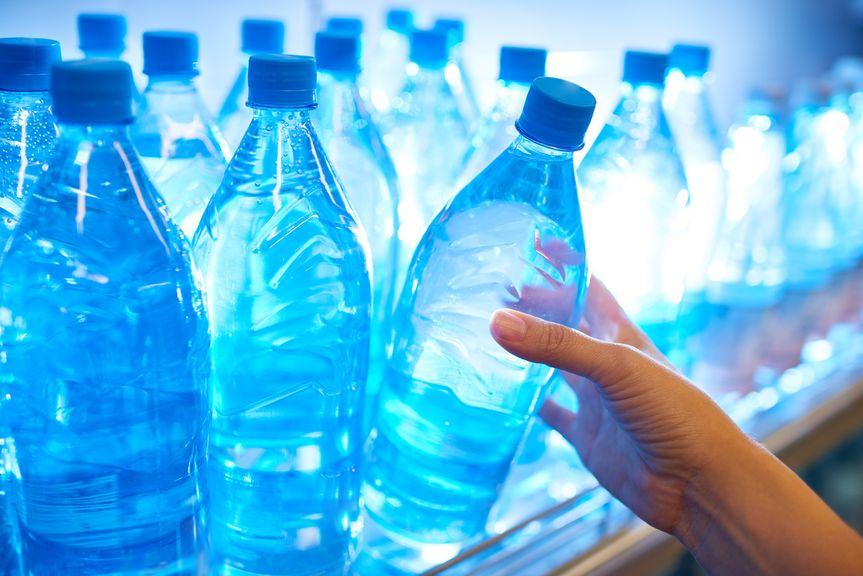 Mineralwasser im Laden