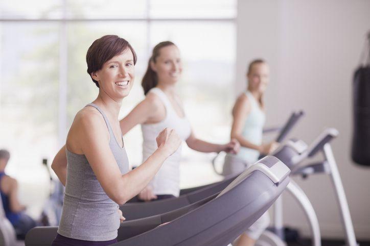 Frauen im Fitnesstudio
