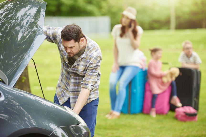 Panne auf der Fahrt in die Familienferien