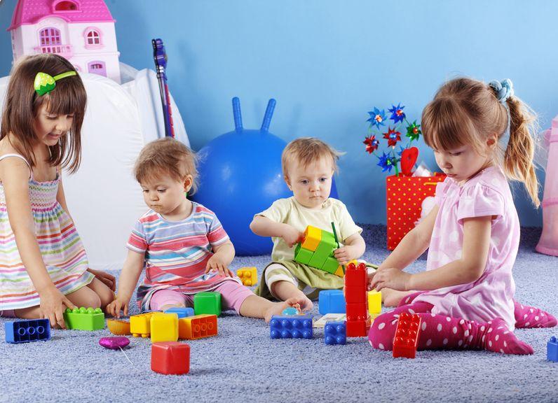 Kinder spielen gemeinsam,Kinder spielen in der Kita