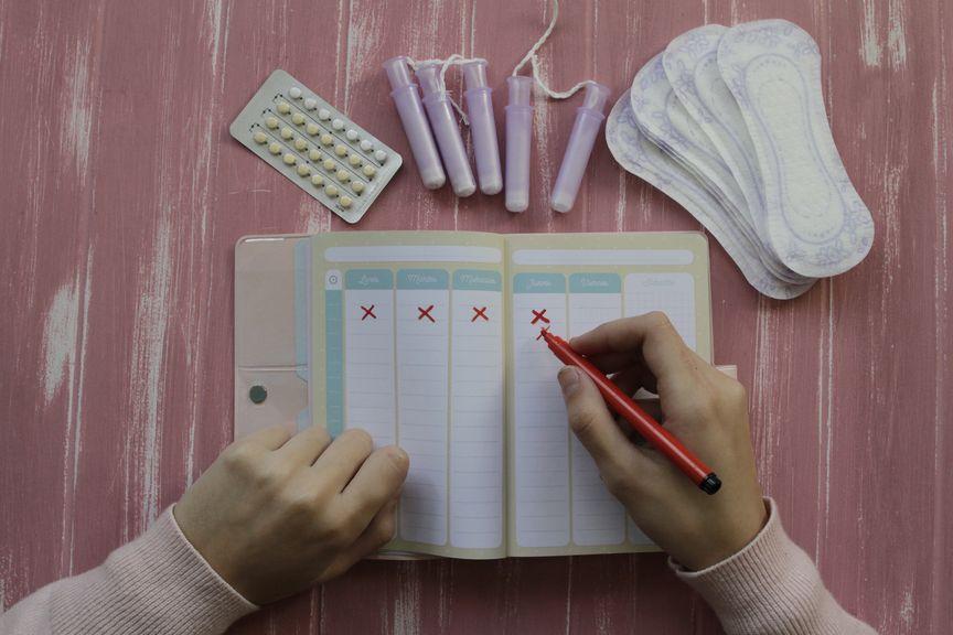 Kalender, Pille, Tampons und Binden
