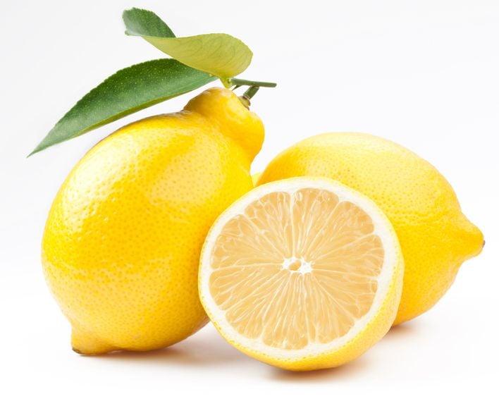 Zitrone mit Blatt