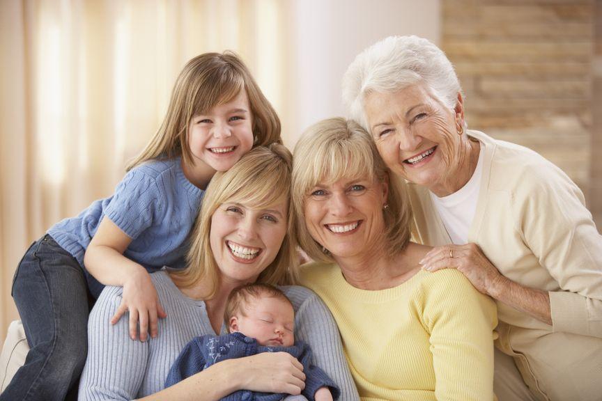 Vier Generationen Töchter