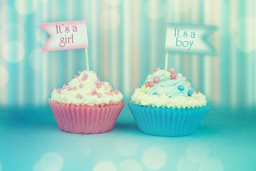 blaue und rosa Muffins