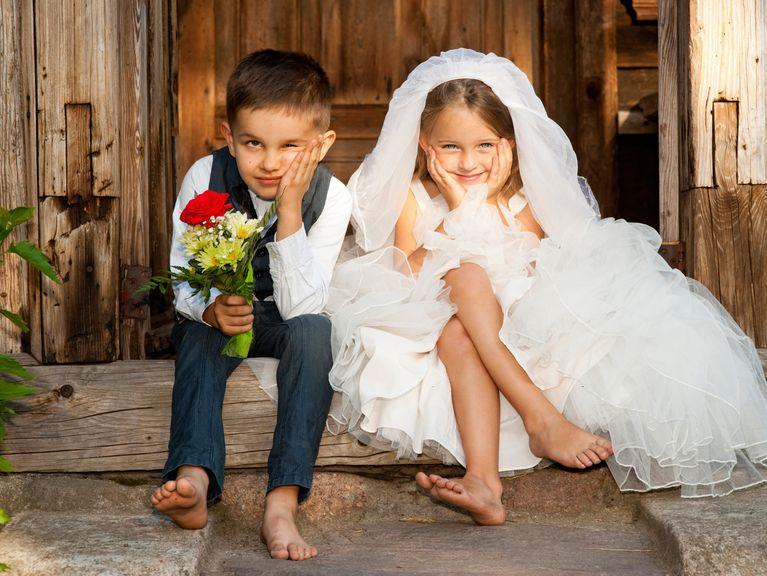 Kinder als Brautpaar