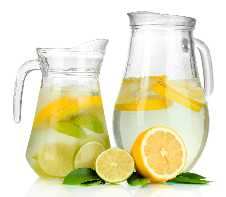 Glaskrug mit Getränk