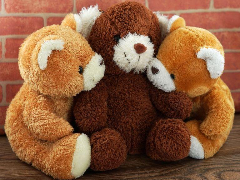 Drei Teddybären, hell und dunkel